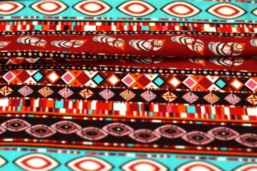 jersey na formowanki we wzór z motywem indiańskim w kolorach czerwieni, pomarańczu i turkusu